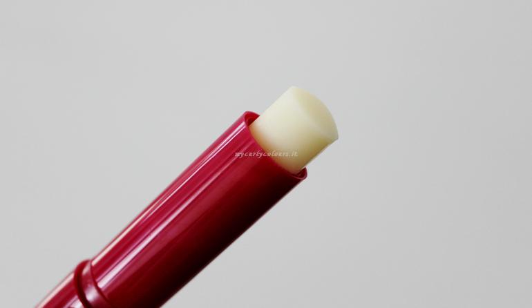 Dettaglio texture Stick labbra Melagrana Bio La Bioteca Italiana