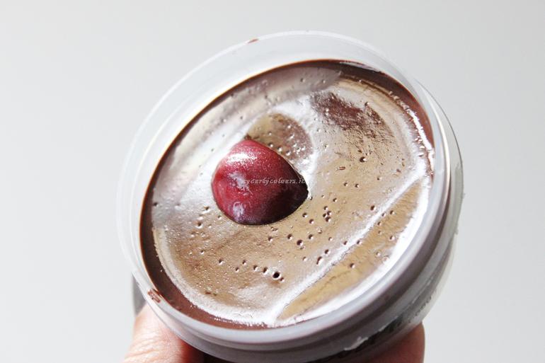 Dettaglio texture Jelly Mask Rudolph Lush Natale 2018