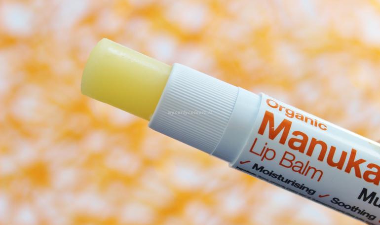 Dettaglio stick Manuka lip balm Multi Action SPF 15 Dr Organic
