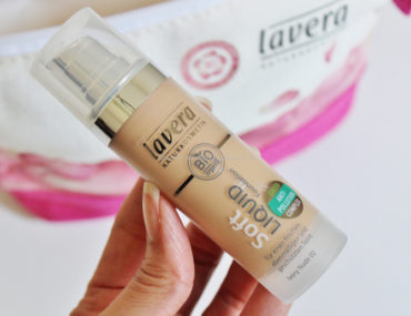 Soft Liquid Foundation Lavera