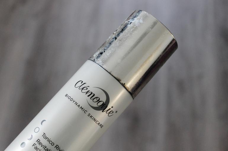 Dettaglio usura packaging Clémoonie
