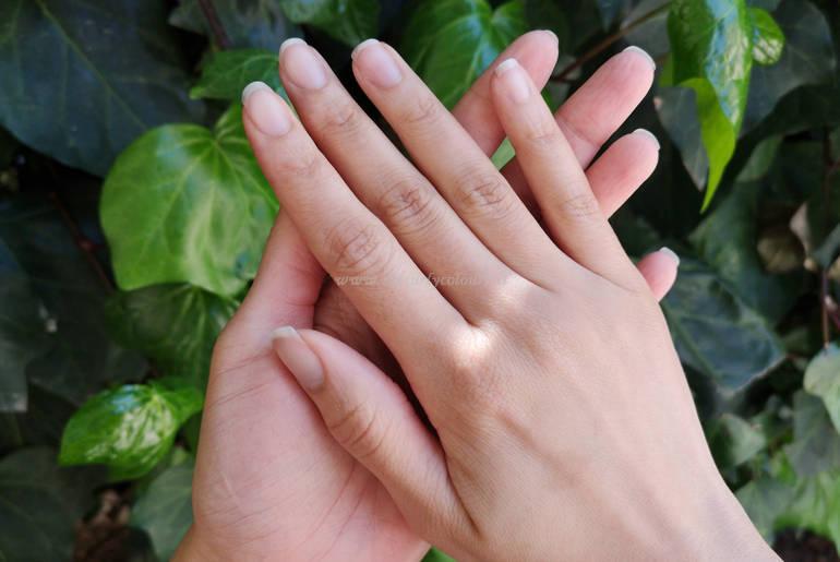 Mani mycurlycolours aprile 2020 per blog post consigli mani secche