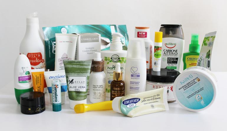 Mix di prodotti finiti viso corpo e capelli