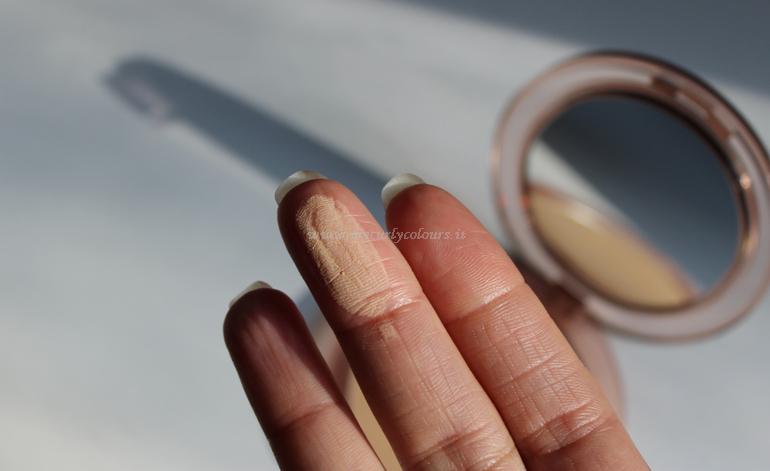 Texture cipria Close-Up Smoothing Pressed Powder Nabla Medium