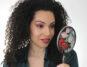 Lara Mycurlycolours con specchietto